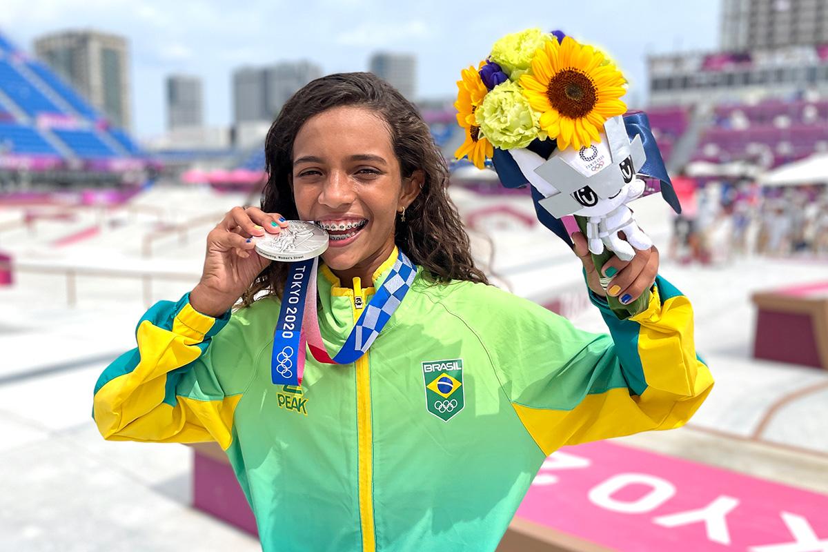 Rayssa Leal, com 13 anos, se torna a brasileira mais jovem a ganhar medalha em Jogos Olímpicos