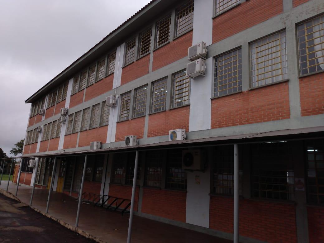 Equipe diretiva do Instituto Solano anuncia suspensão de aulas presenciais após surto de Covid