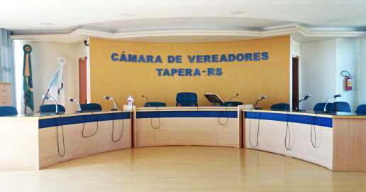 Discussão interrompe sessão da Câmara de Vereadores de Tapera