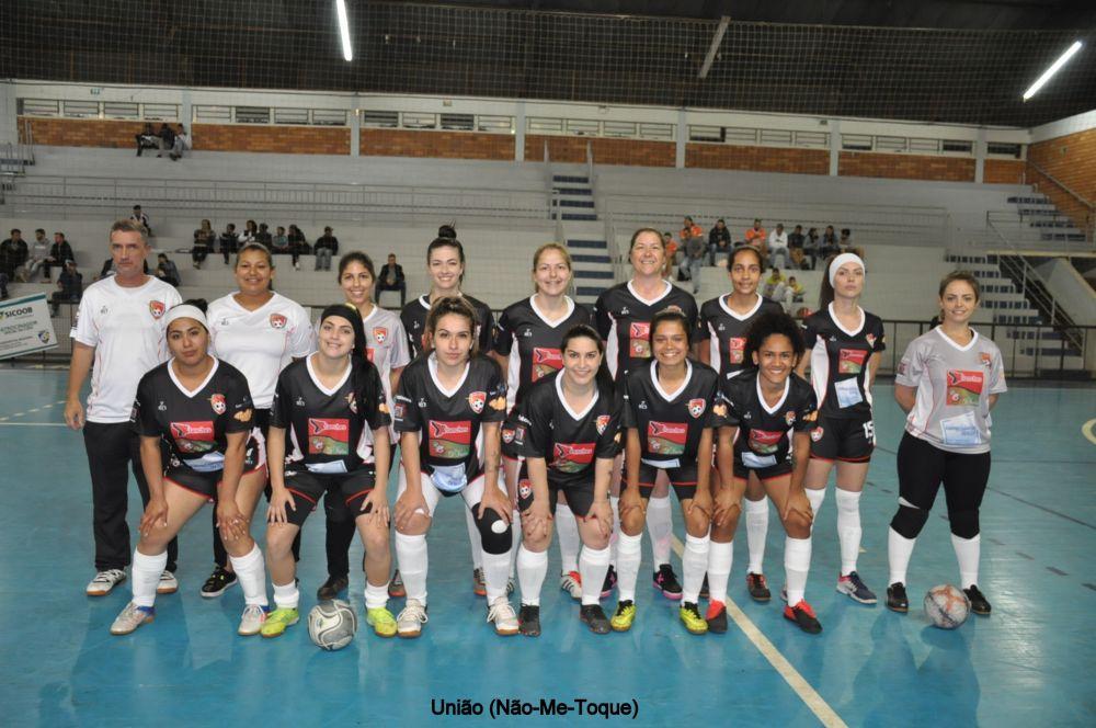Equipe de Não-Me-Toque estreia com empate na Copa Regional de Futsal Feminino