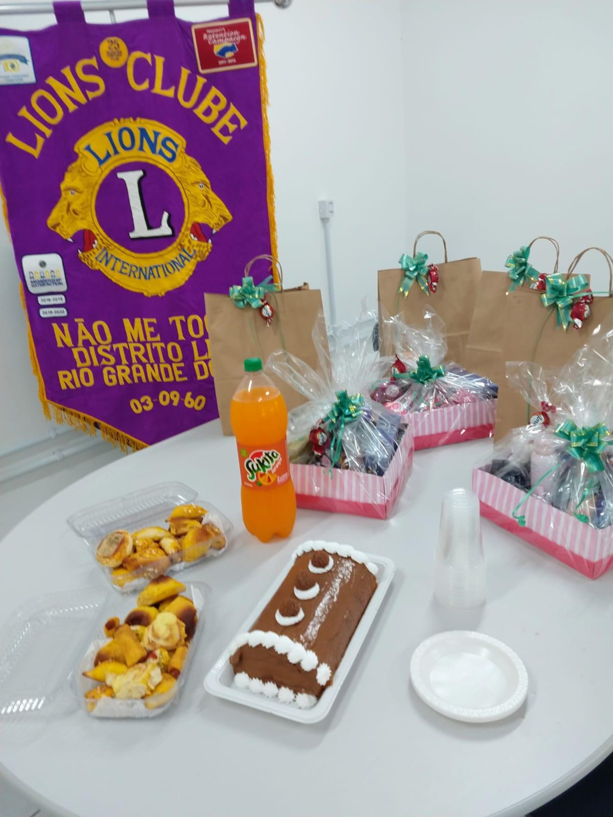 Lions de NMT realiza entrega de presentes às crianças da Casa Lar
