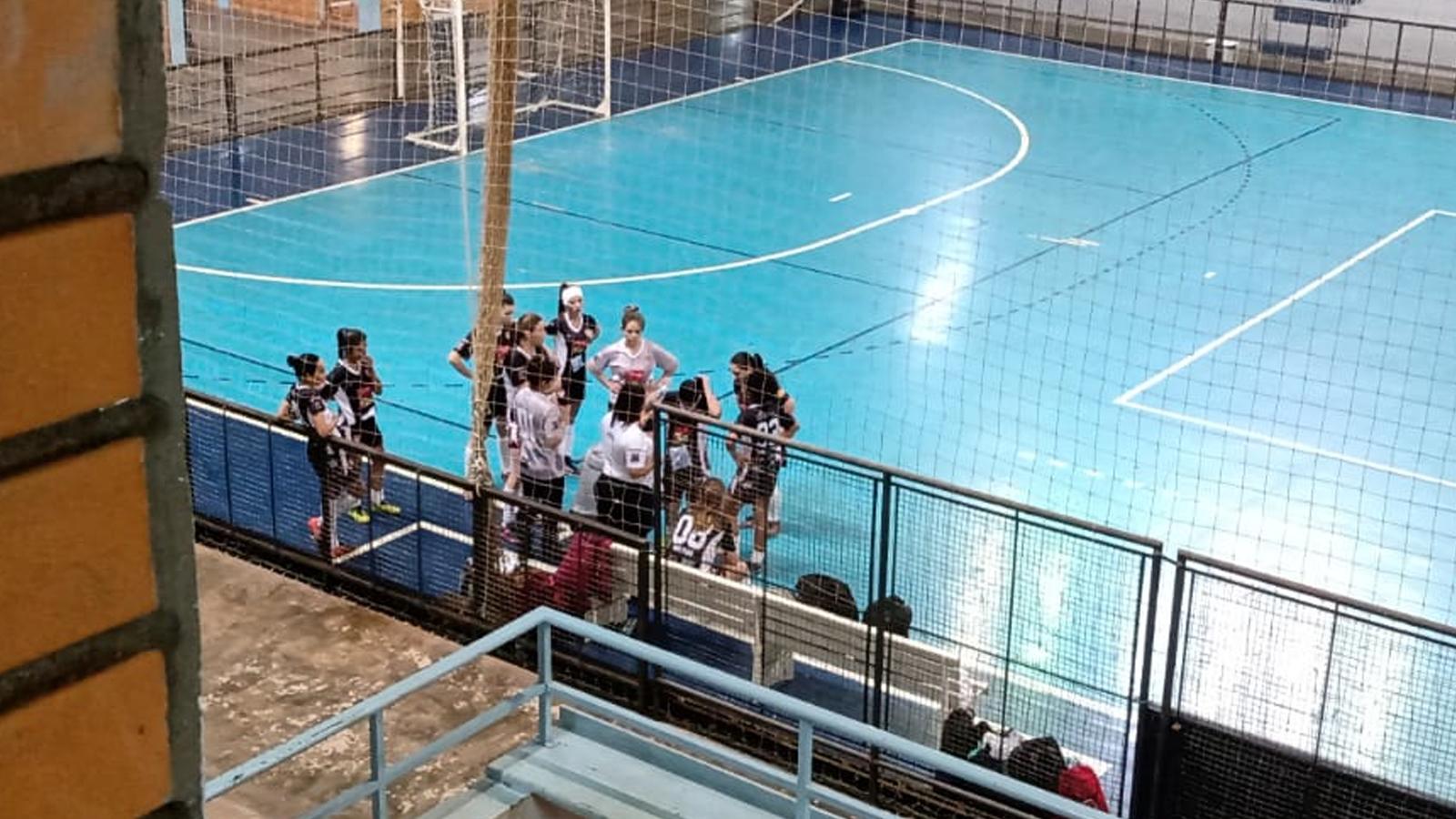 Equipe de Não-Me-Toque sofre primeira derrota na Copa Regional de Futsal Feminino