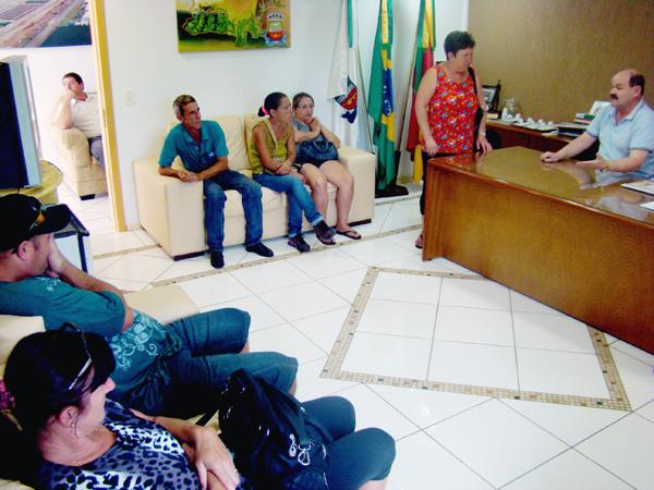 Piva recebe 21 pessoas no primeiro dia de gabinete aberto em 2013
