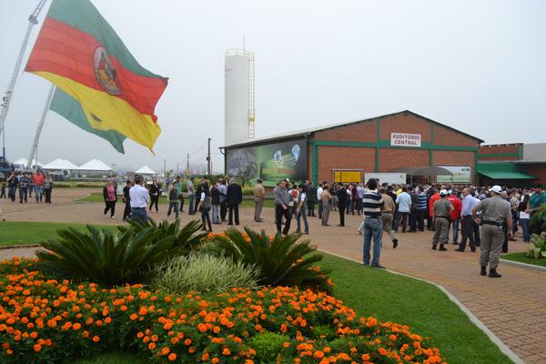 Expodireto abre com 22 mil visitantes
