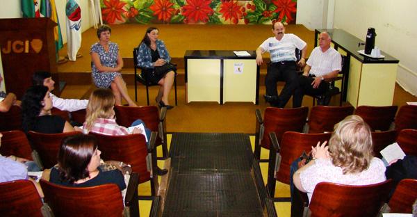Audiência discute problema da bebedeira e sujeira em via pública