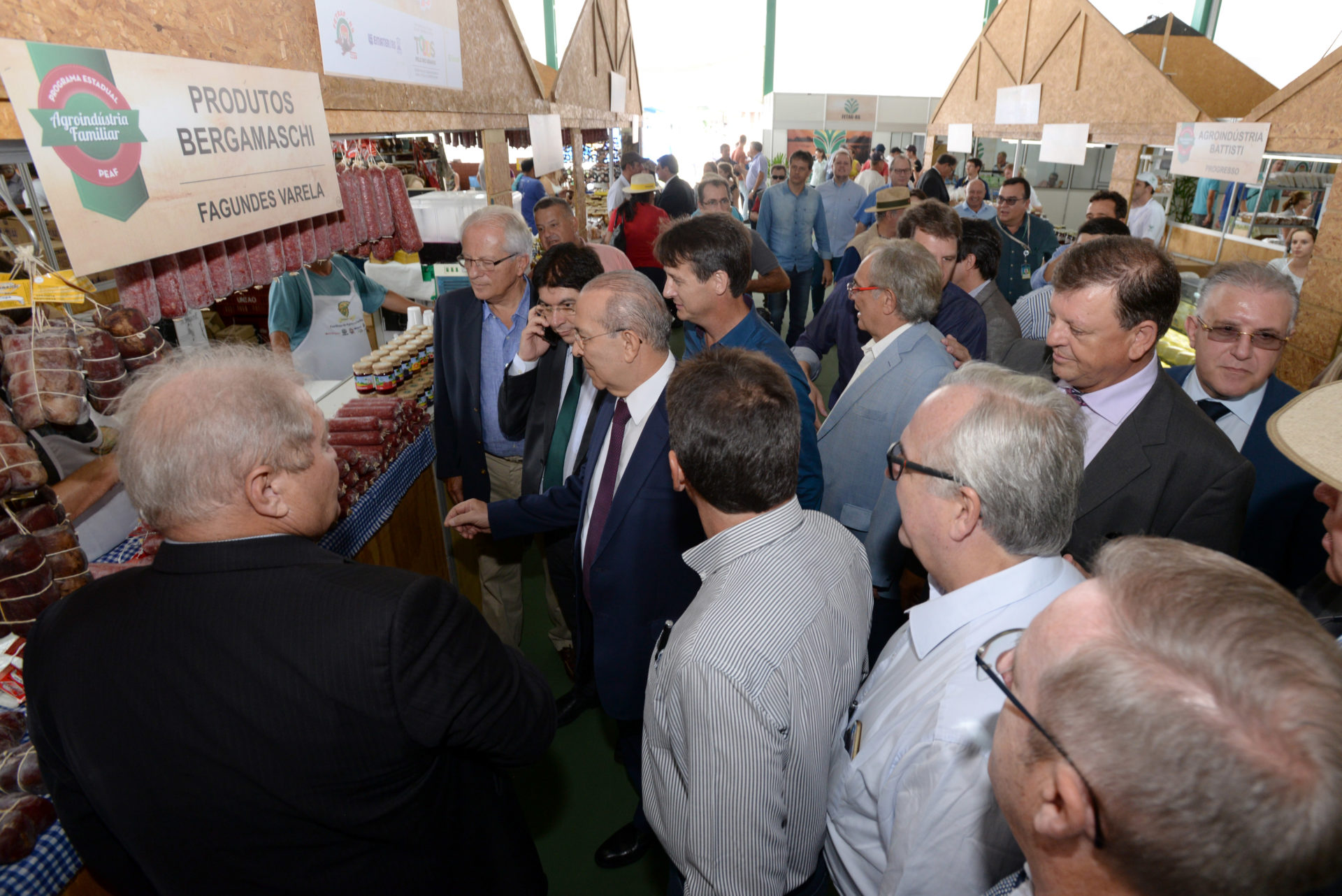 Organização da feira repercute na visita das autoridades ao Parque