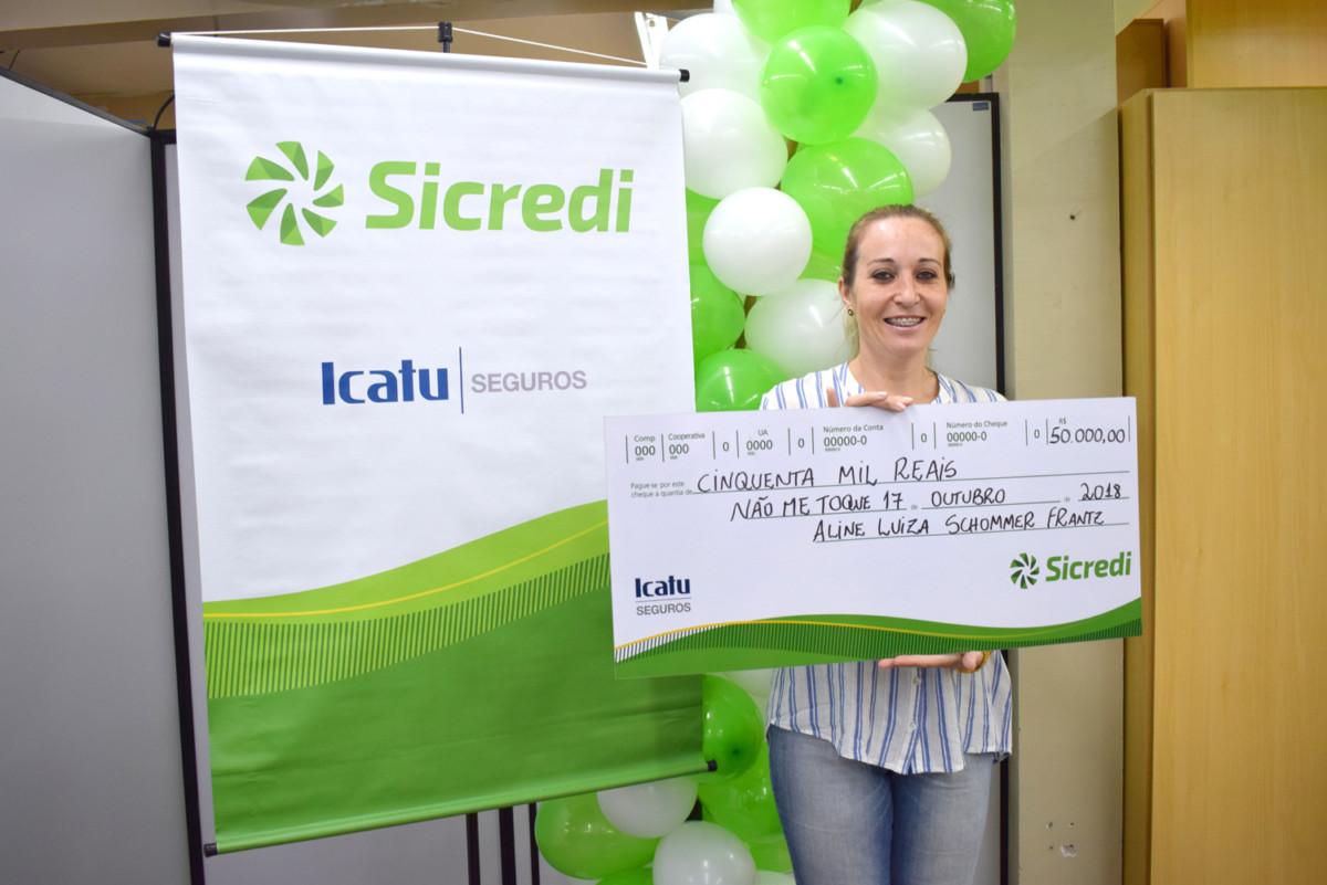 Cliente Sicredi ganha prêmio da Icatu Seguros