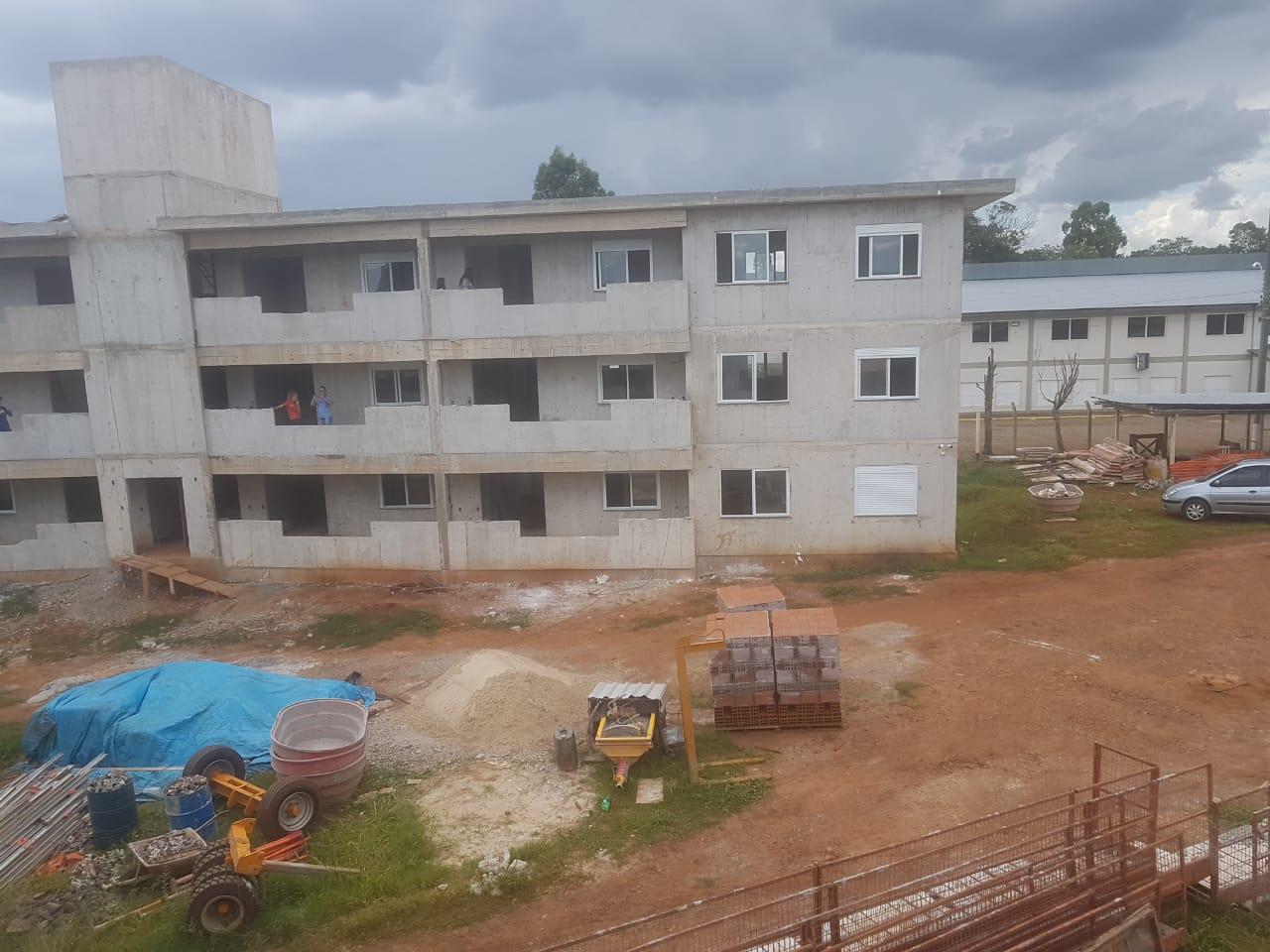 Condomínio residencial Vila Nova está com obra adiantada