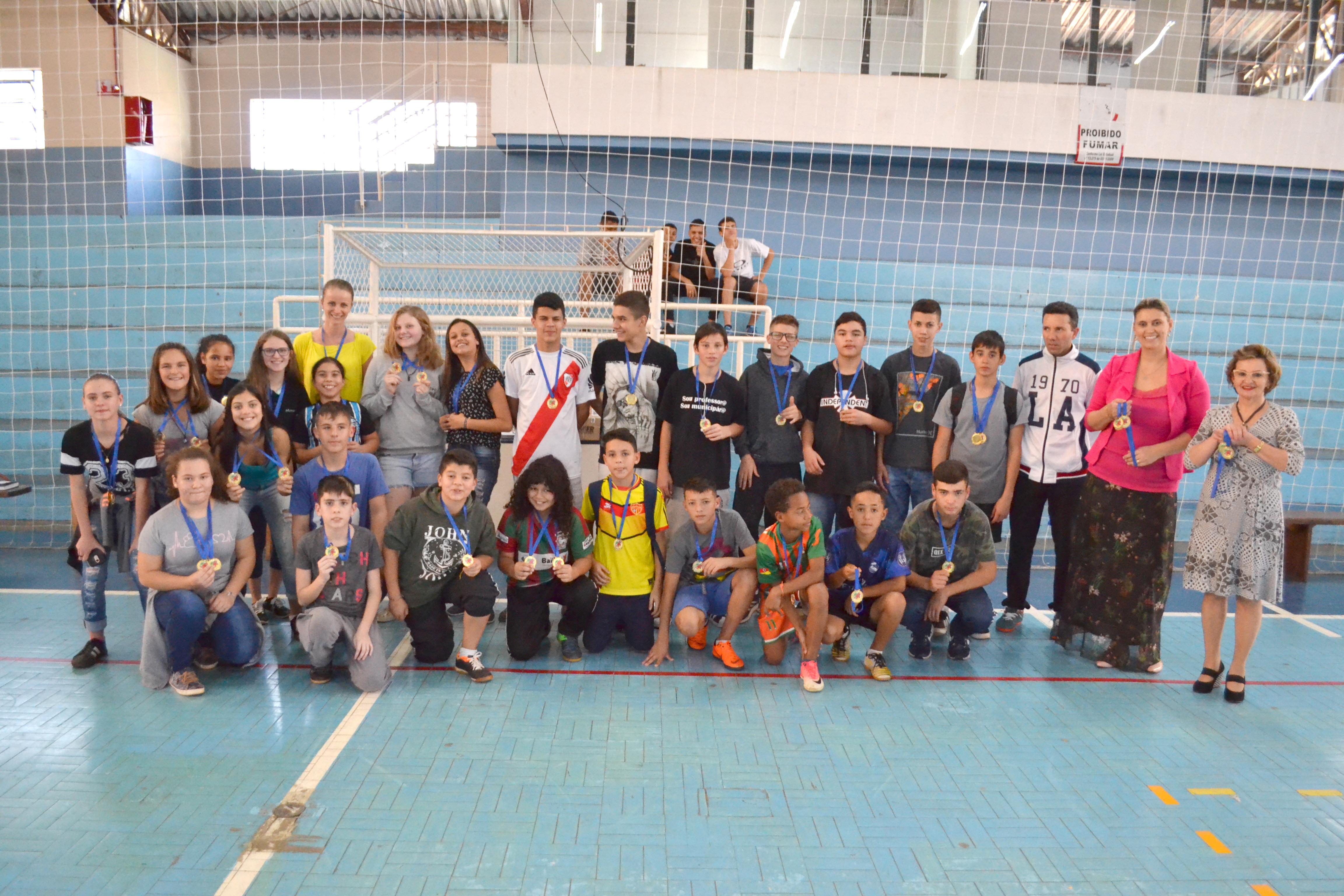 Vencedores do Jergs recebem medalhas