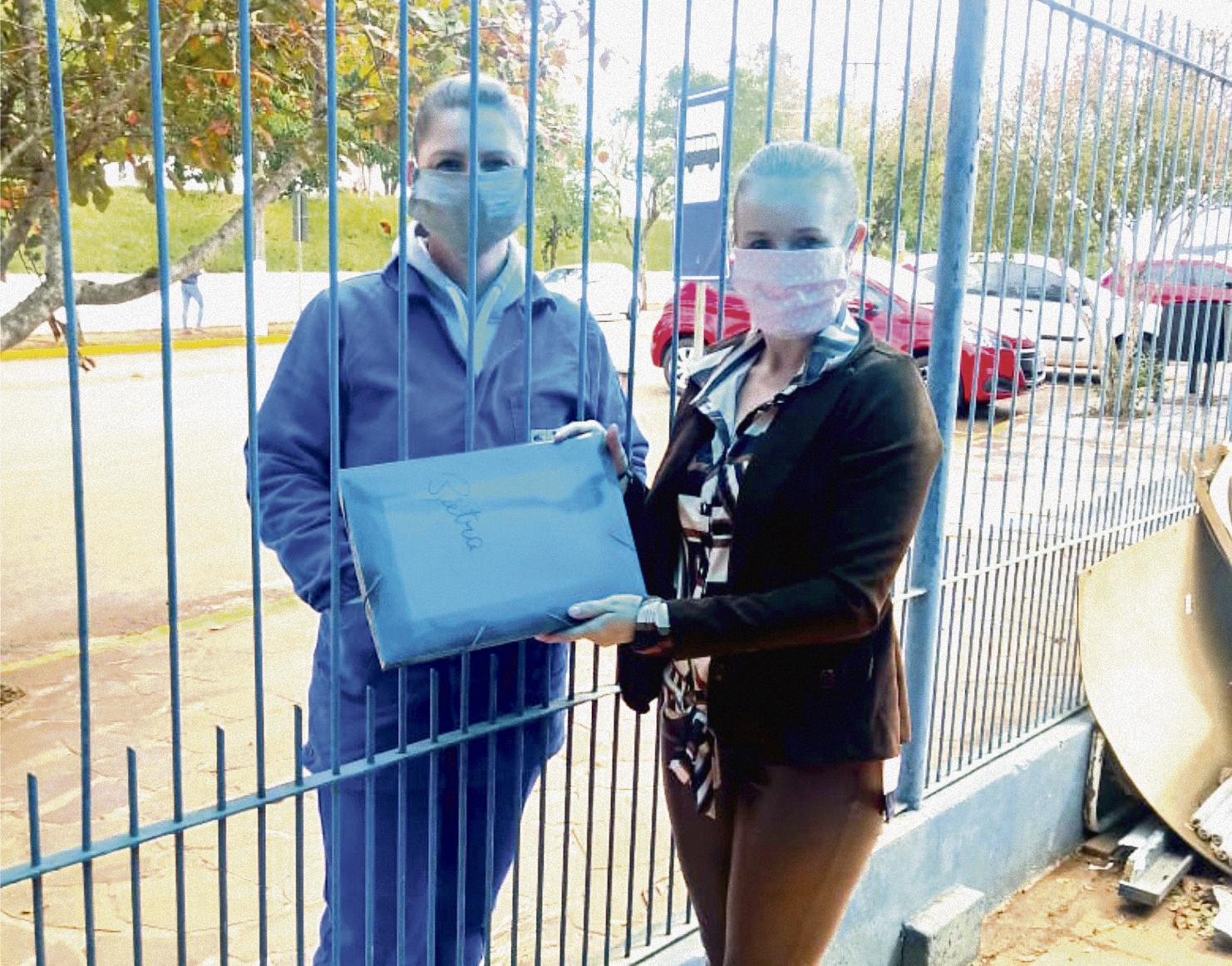 Estudantes da Rede Municipal recebem tarefas de casa durante pandemia