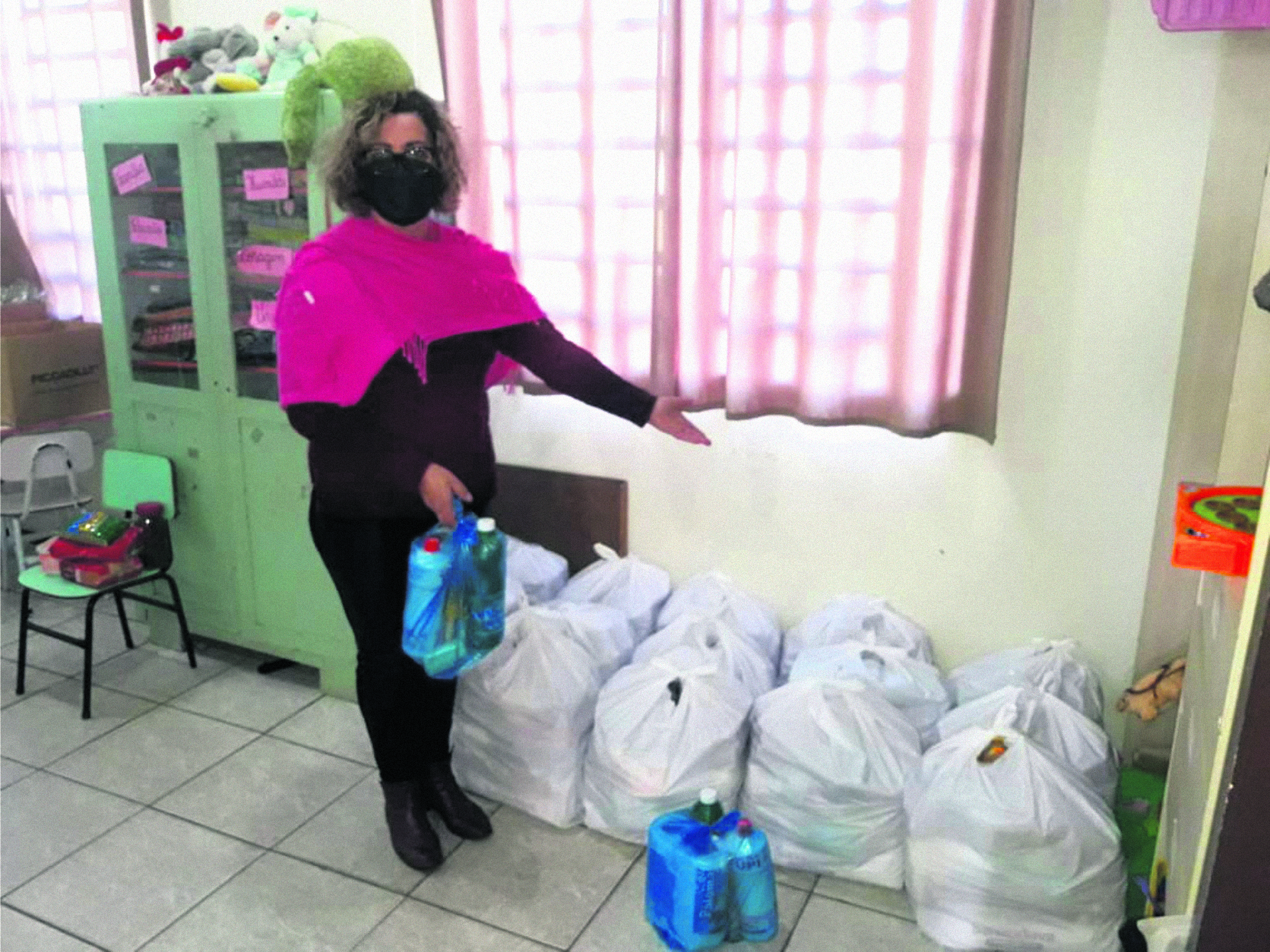 Comunidade exerce solidariedade doando alimentos