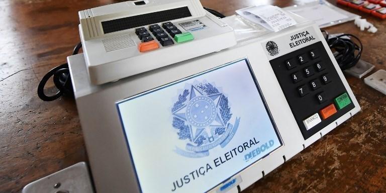 Prefeitos insistem na suspensão das eleições em 2020