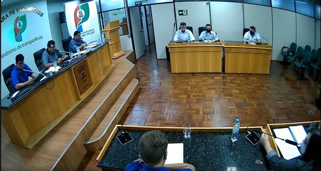 Câmara de vereadores de Não-Me-Toque estabelece trabalho em home office