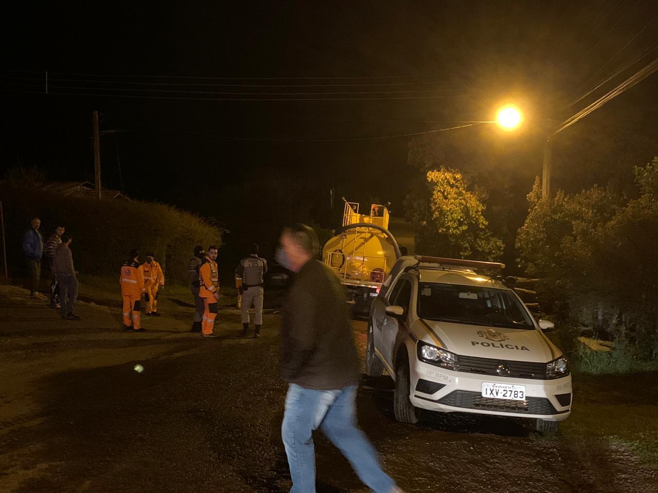 Bombeiros Voluntários de Não-Me-Toque combatem princípio de incêndio no bairro Industrial