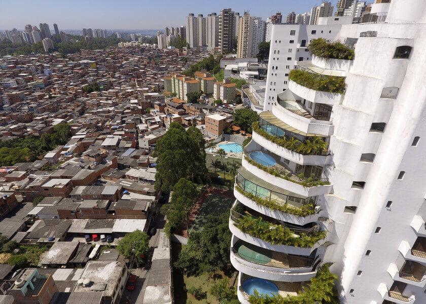 Países com desigualdade social, como Brasil, vão demorar mais para sair da pandemia, diz estudo