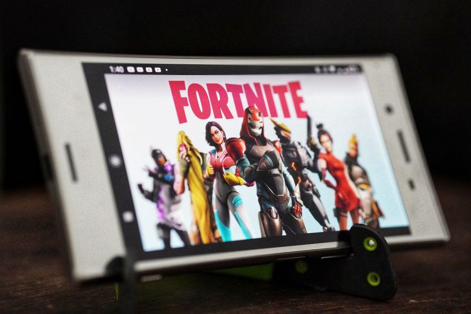 Alerta sobre roubo de dados bancários de jogadores de Fortnite e outros jogos online