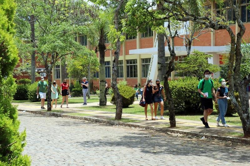 UPF faz comunicado sobre volta às aulas 2021/1