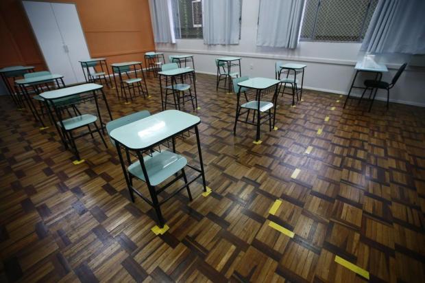 Juíza suspende aulas presenciais em escolas públicas e privadas do RS
