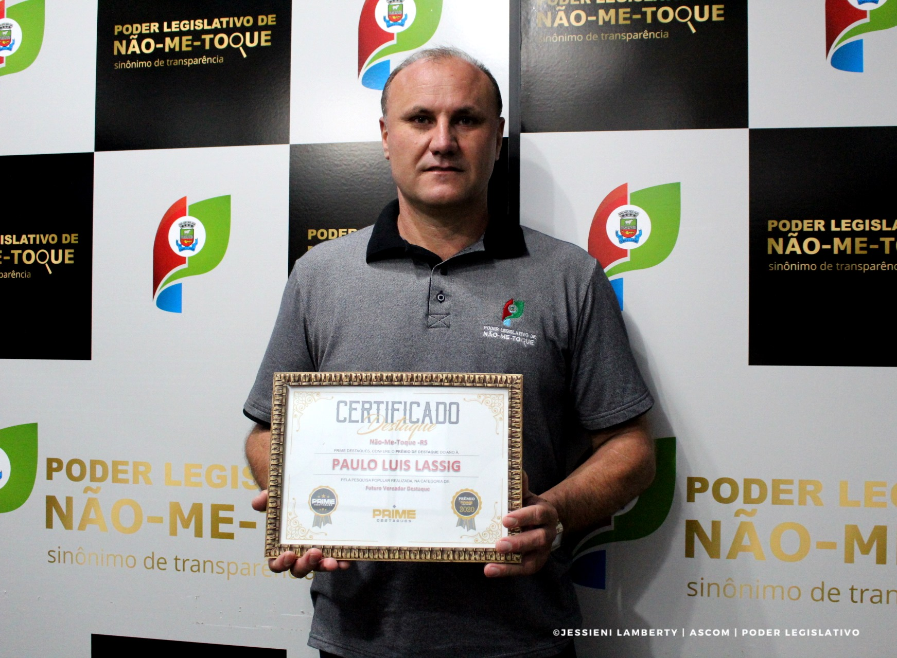 """Vereador Paulo Luis Lassig recebe """"Prêmio Destaque"""""""