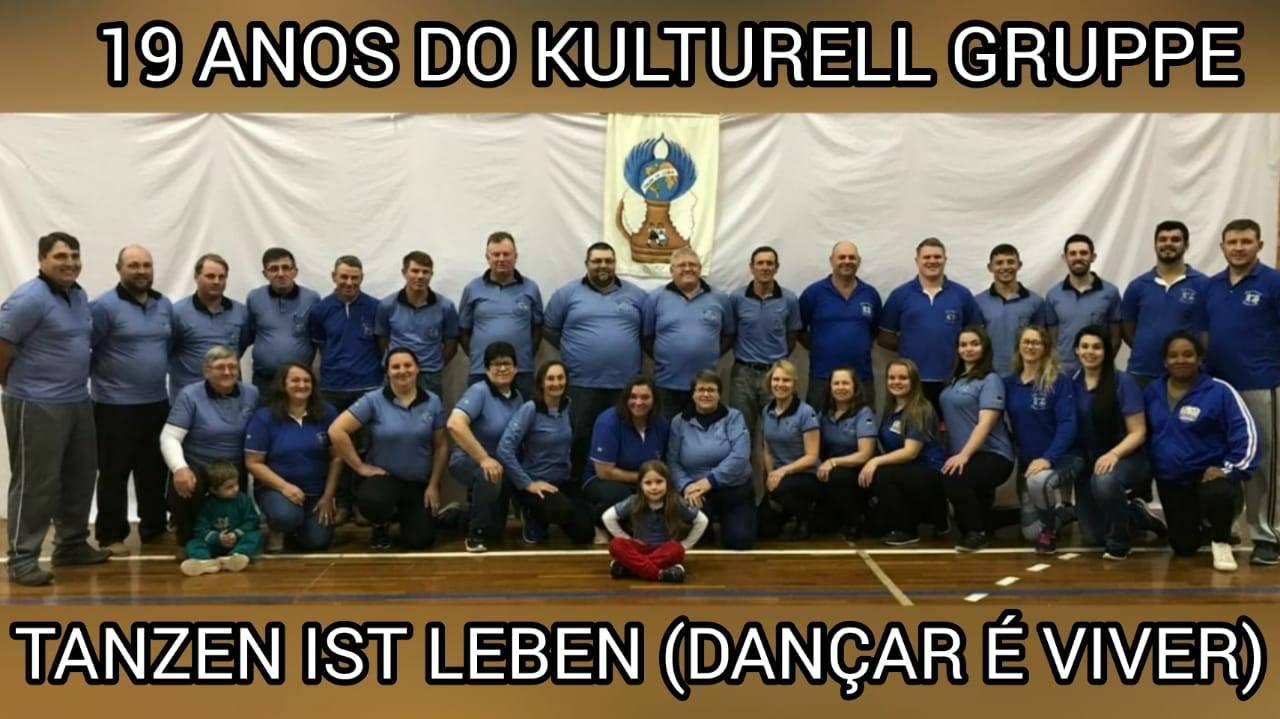 Kulturell Gruppe Tanzen Ist Leben completa 19 anos hoje!