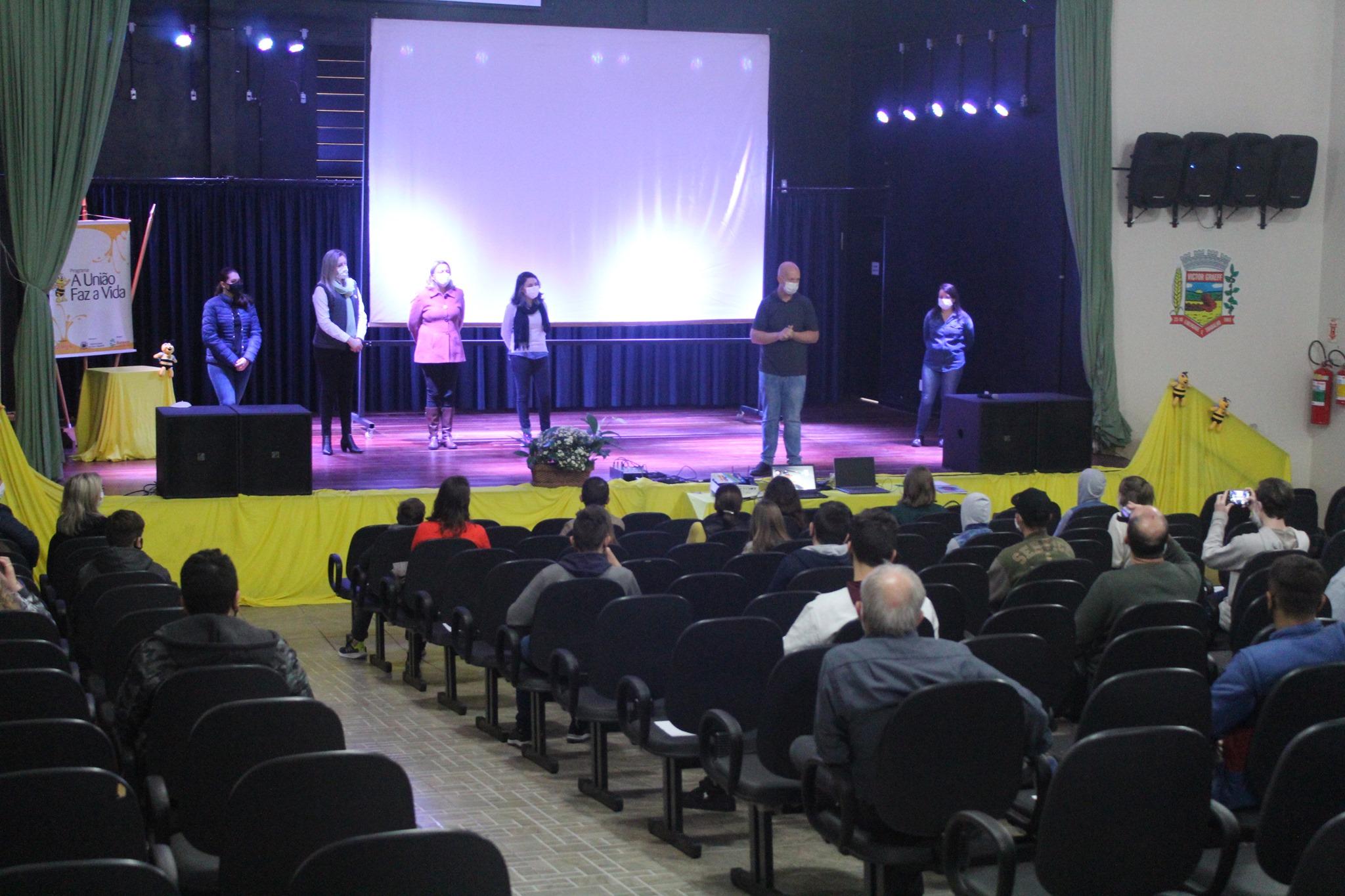 Evento de mobilização para constituição da Cooperativa Escolar da EMEF Leonel de Moura Brizola foi feito hoje, dia 28