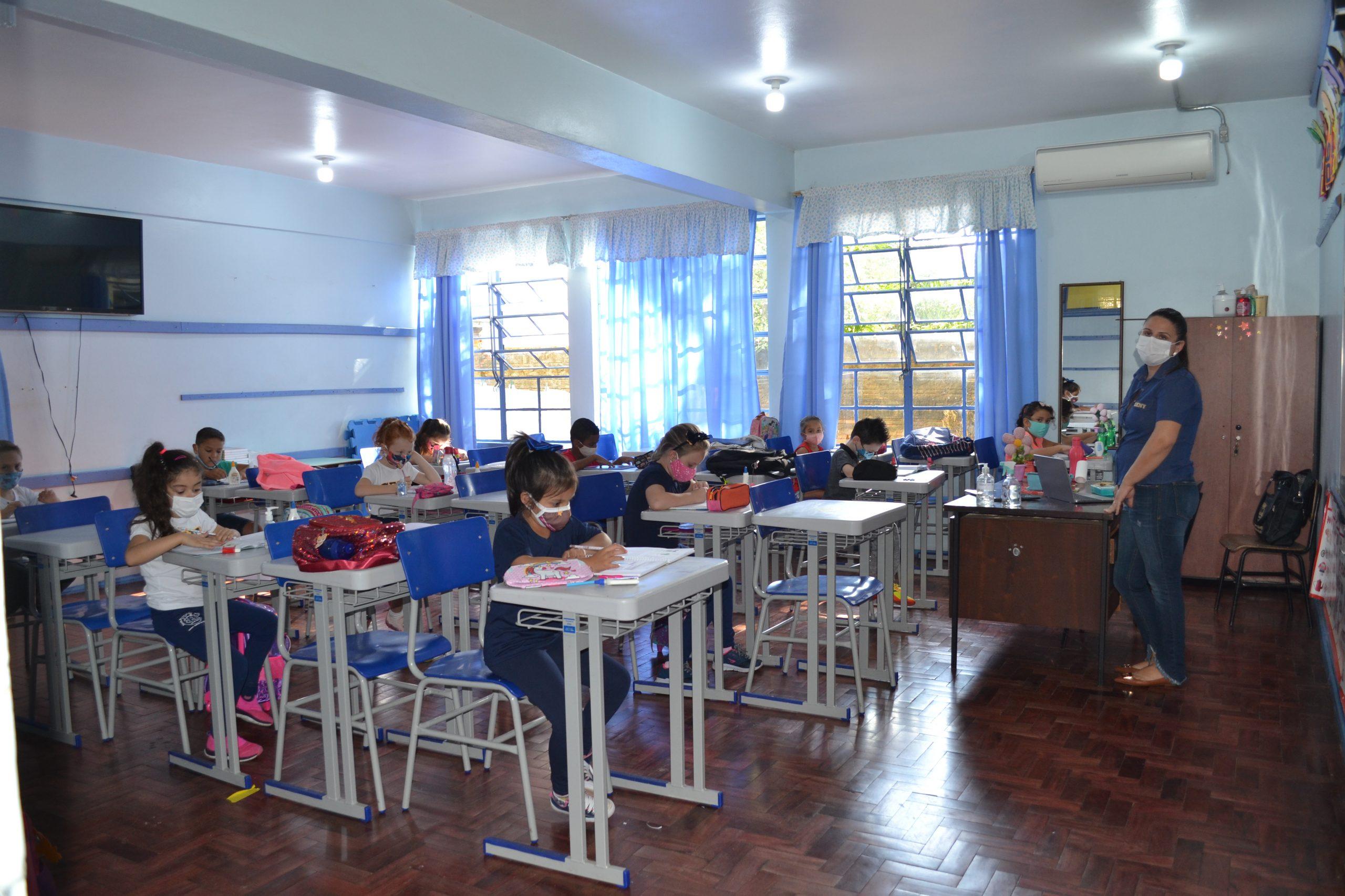 Escolas Estaduais retomam aulas presenciais