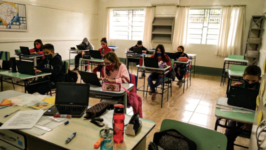 Uso de tecnologia na sala de aula motiva alunos da Rede Municipal de Ensino