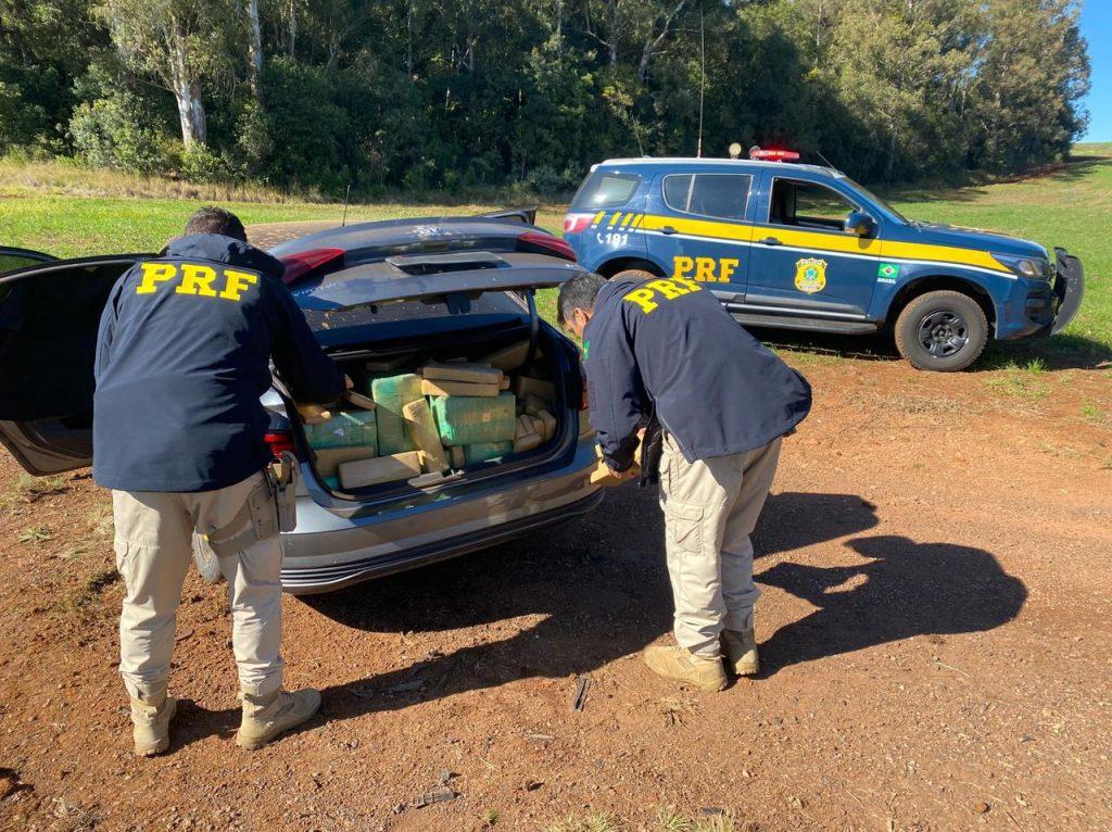 PRF apreende carro com mais de meia tonelada de maconha na BR-285