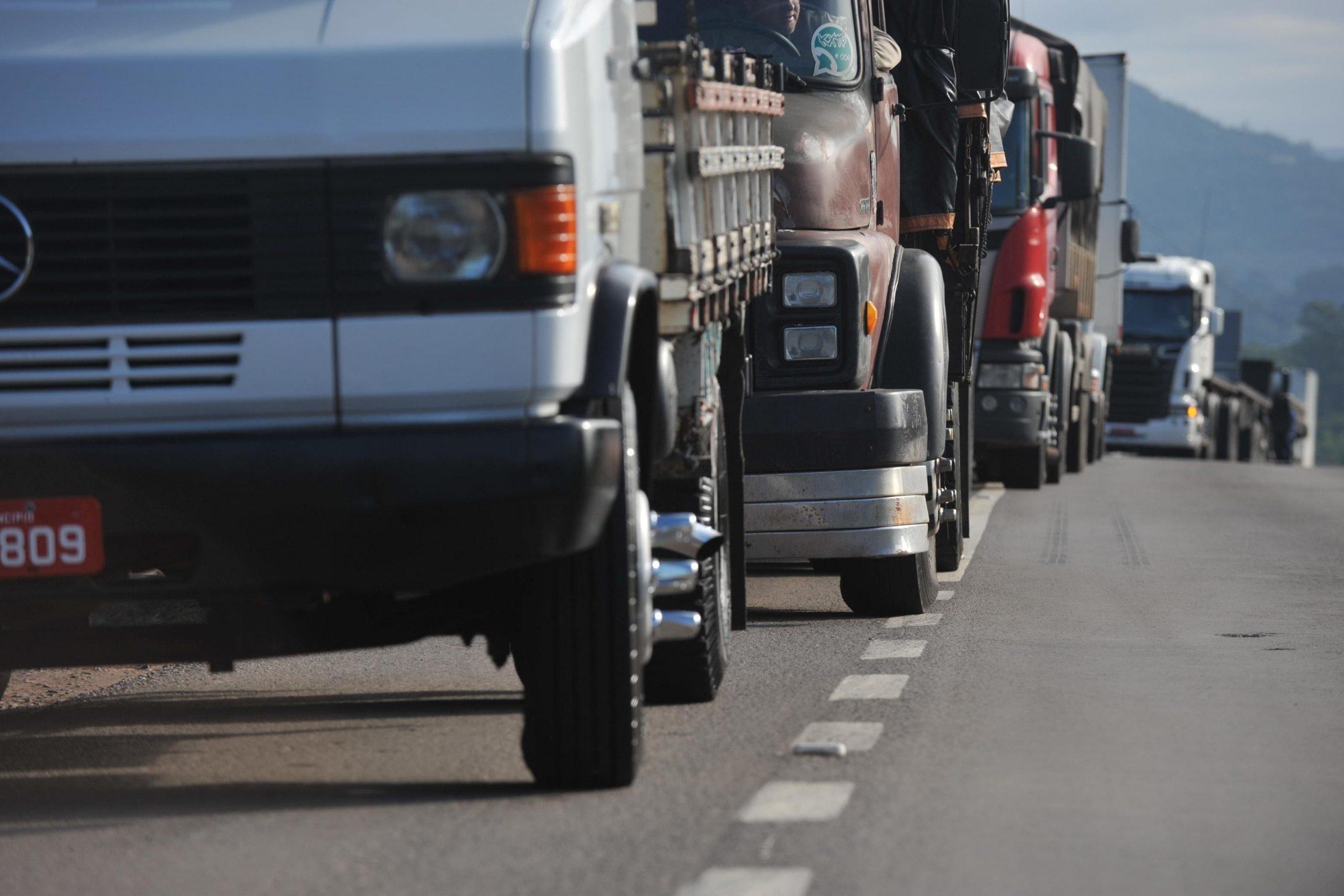 Testagem para Covid-19 em caminhoneiros que atravessam fronteiras com Argentina e Chile começa em 31 de maio
