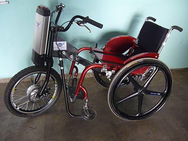 Mais autonomia para cadeirantes: projeto da UPF desenvolve triciclo elétrico