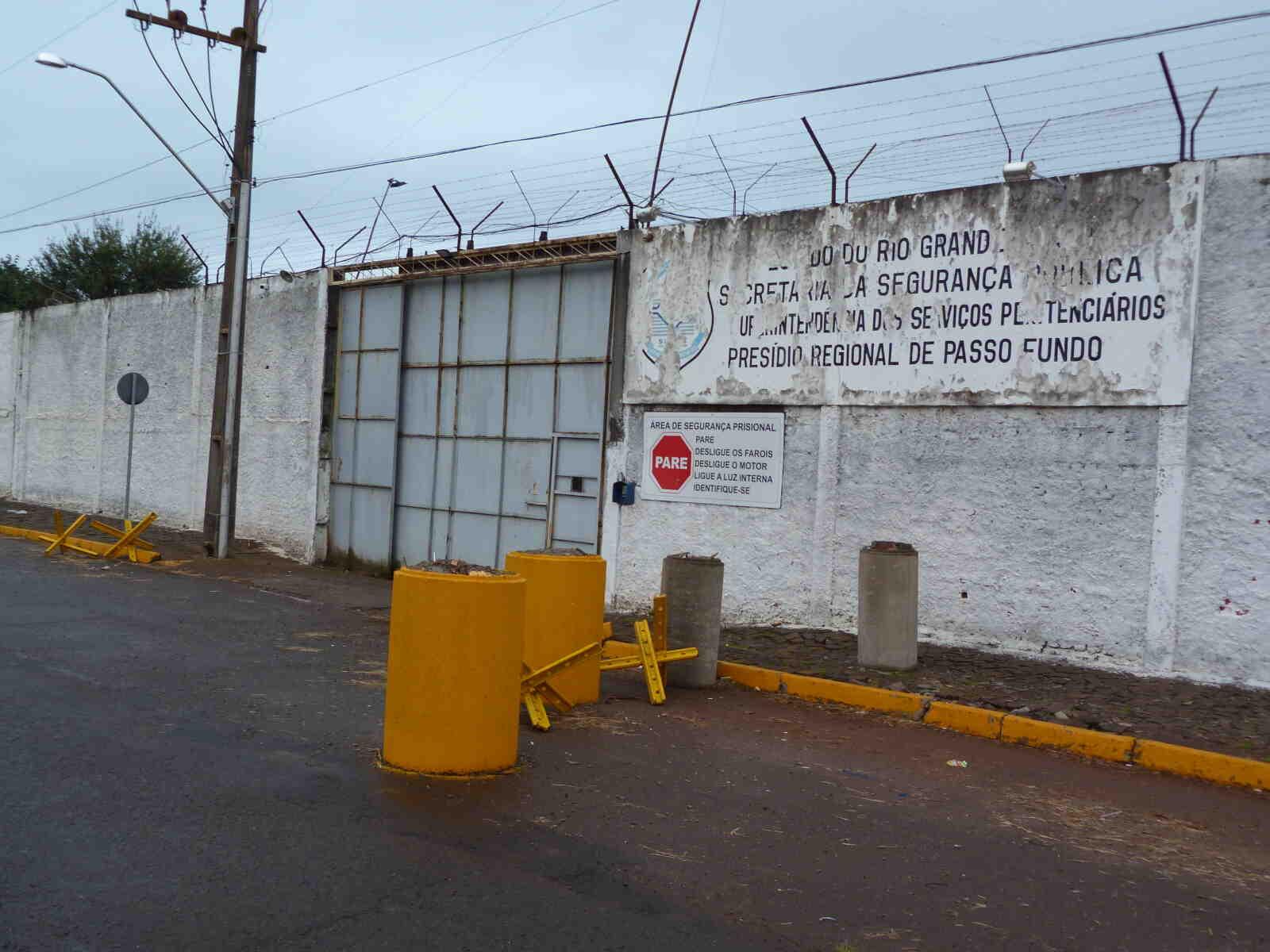 Três indivíduos fogem do Instituto Penal de Passo Fundo