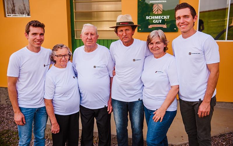 Associados da Cotrijal investem na produção de mandioca