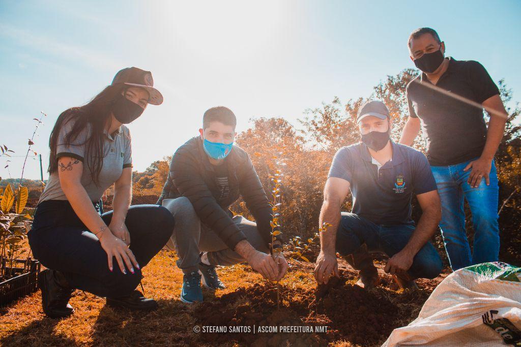 """""""Arboriza Não-Me-Toque"""" realiza plantio de árvores para celebrar o Dia Mundial do Meio Ambiente"""