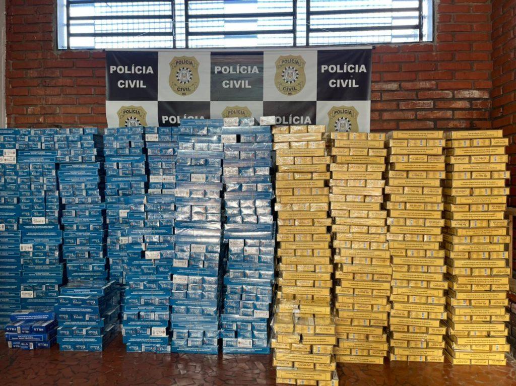 Draco prende dois contrabandistas e carga de 50 mil em cigarros em Passo Fundo