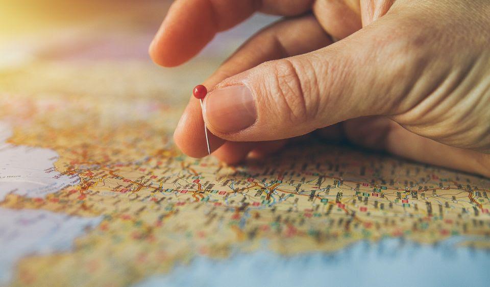 Metade dos brasileiros tem pretensão de viajar nos próximos 12 meses, diz pesquisa