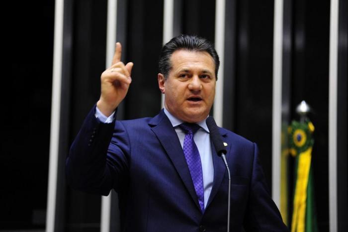 """""""Distritão, bom ou ruim?"""" Deputado Federal propõe alteração da Constituição Federal para instituir no Brasil sistema majoritário na eleição do legislativo"""