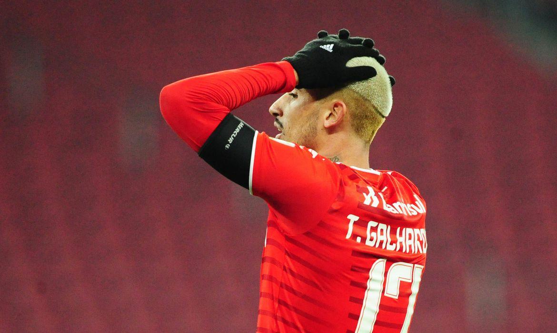 Internacional perde nos pênaltis e está fora da Libertadores