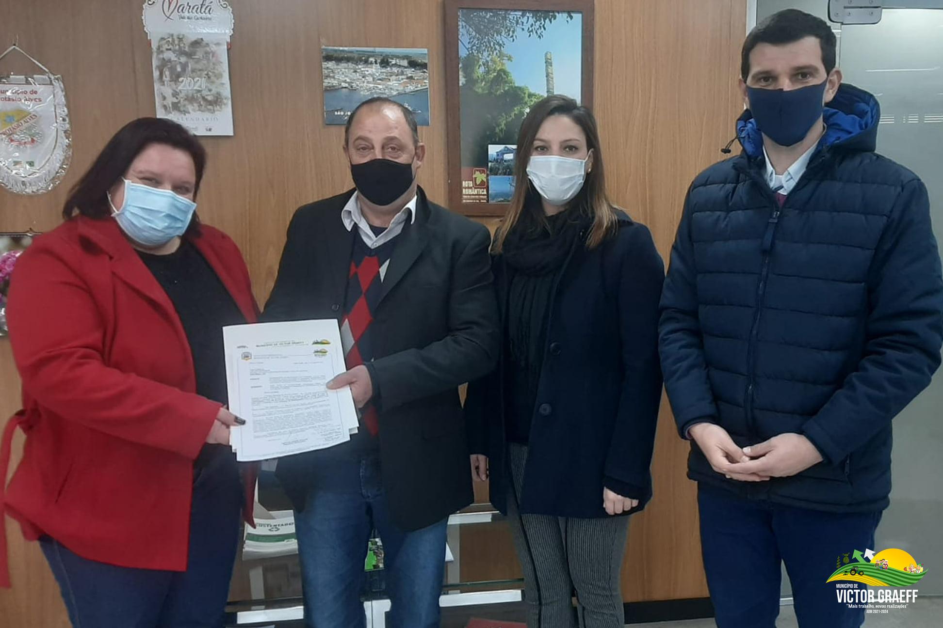 Prefeito Lairton Koeche protocola projeto para pavimentar o município junto ao Governo do Estado