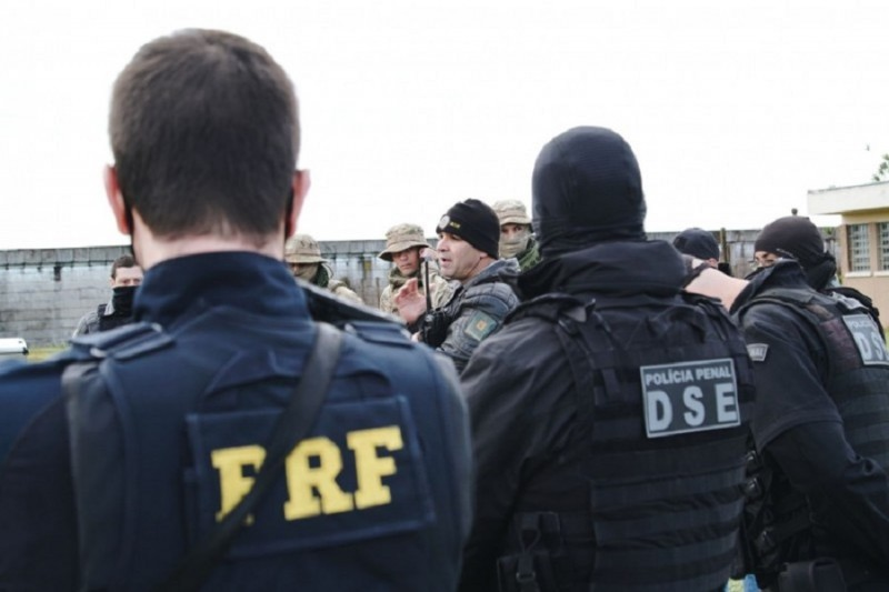 Operação Império da Lei 3 transfere sete líderes de organizações criminosas para penitenciárias federais