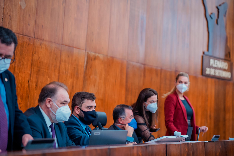 Assembleia Legislativa aprova revogação de lei que criou pensão para ex-governadores