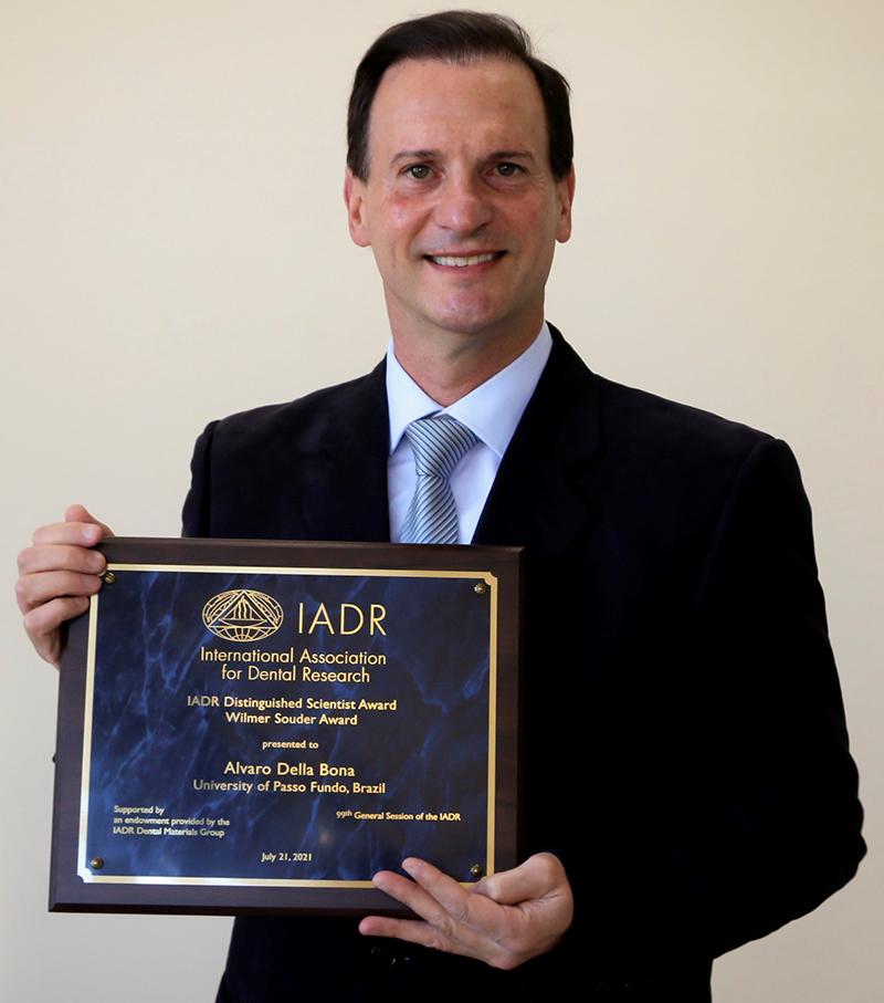 Professor da UPF recebe o prêmio Wilmer Souder