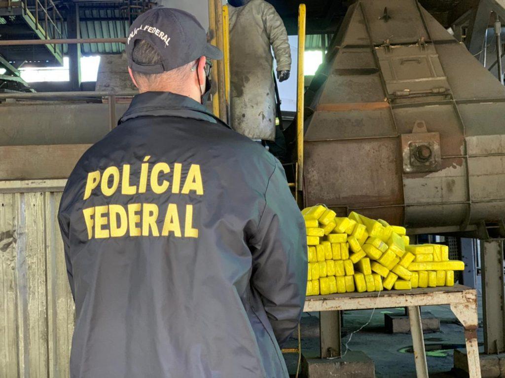 Polícia Federal incinera mais de quatro toneladas de drogas em Passo Fundo
