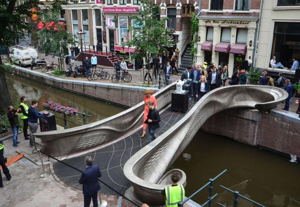 Primeira passarela metálica do mundo impressa em 3D é inaugurada na Holanda