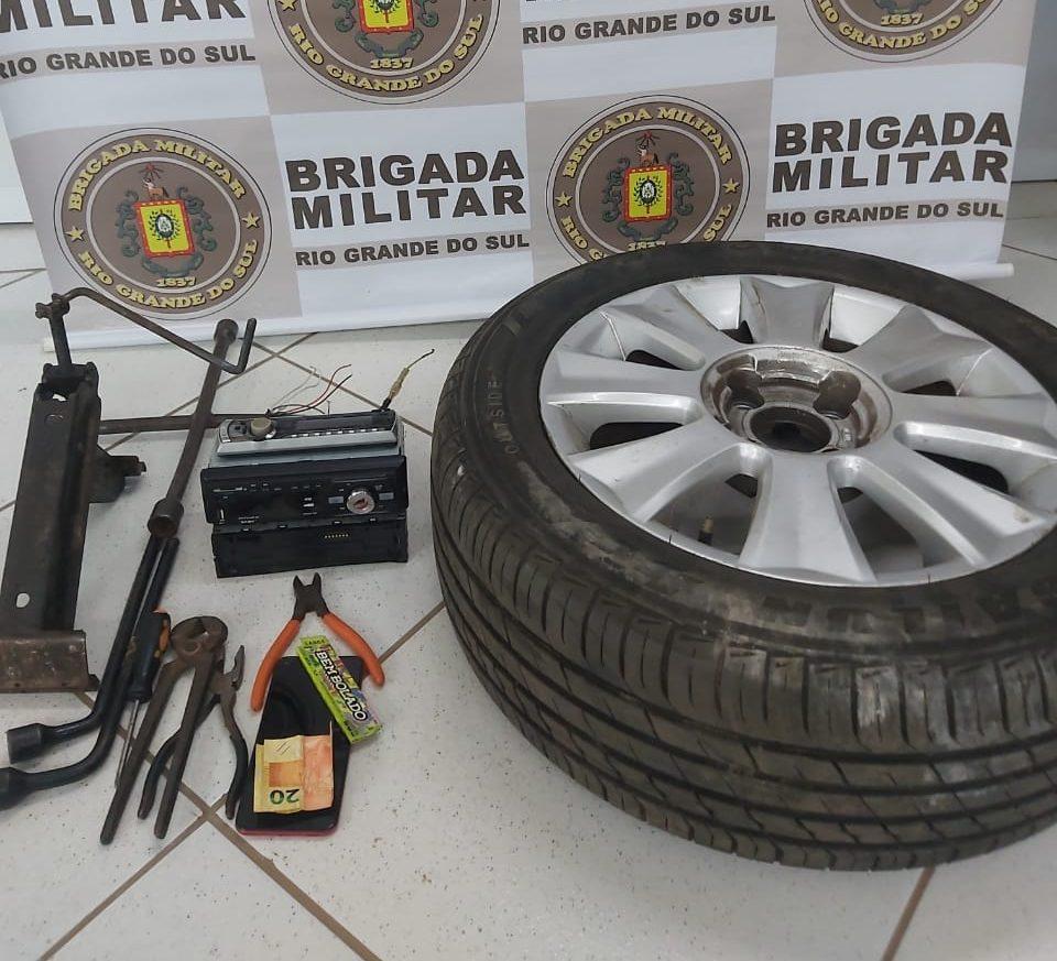 Brigada Militar apreende dois menores por furto em veículo em Carazinho