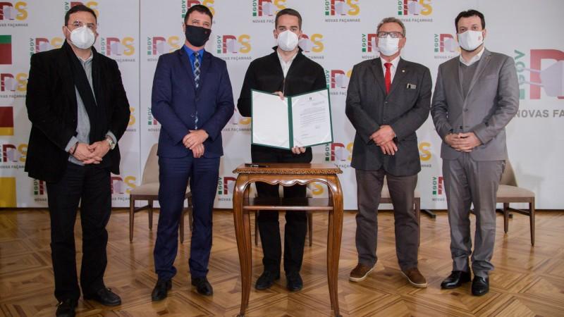 Governador sanciona projeto que suspende prazo de validade de concursos públicos durante o estado de calamidade