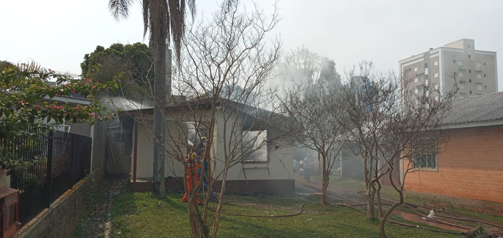 Família perde tudo em incêndio e busca ajuda