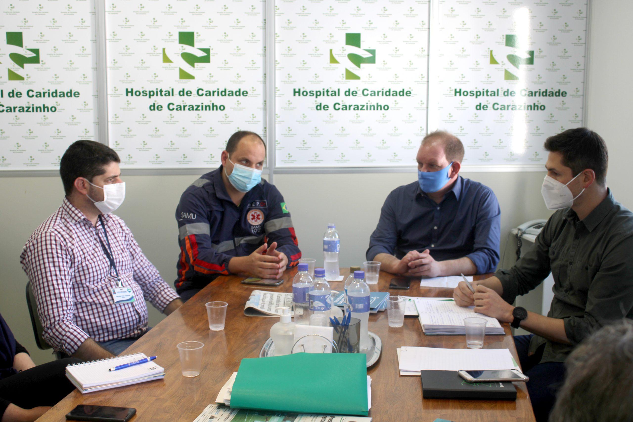 Hospital de Caridade de Carazinho recebe visita de autoridades de Não-Me-Toque
