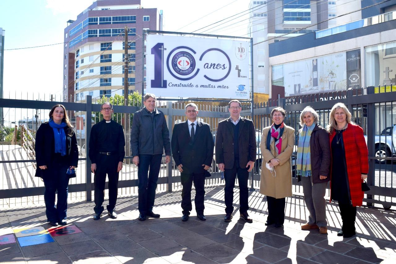 Colégio Rui Barbosa lança selo comemorativo ao Centenário