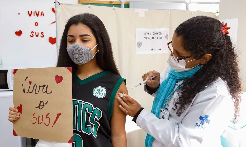 Adolescentes dos 12 aos 17 anos poderão se vacinar nos dias 15, 16 e 17