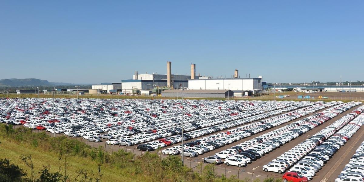 Preço de carros usados sobe até 20% e vendas disparam